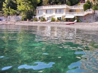 Magnificent villa on the beach in the French Riviera, sleeps 4, Eze