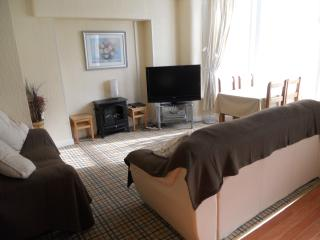 New Sandygate Apartment 2. 2 Adults 2 Ch., Blackpool