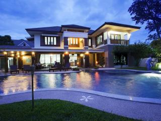 Magnificent Large Luxury Villa with Private Pool, Chiang Mai