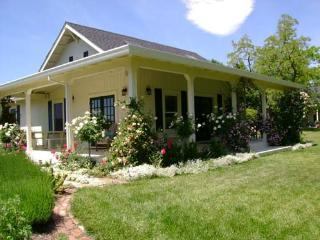 SummerHouse Cottage ~ RA248, Sonoma