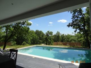 house with heated pool les cayrous, Cahors