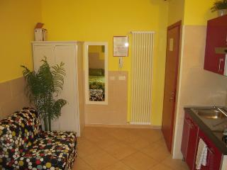 cute and cheapest flat, Bologne