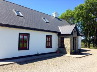 Red Deer Cottage in Stunning Location (Free Wi-Fi), Letterfrack