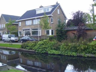 Stylish house , great connections to A'dam centre, Haarlem