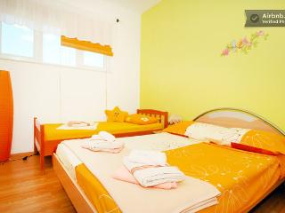Sweet and lovely apartment for 2,3 or 4 persons, Vodice