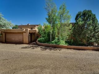Mansion Ridge Hideaway - Near Plaza, Private 2 acers with 100 mile views..., Santa Fe