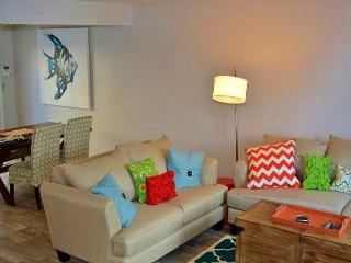 Solana Beach Condominium - Charming Unit West of Interstate 5