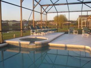 Stunning Lakeview Luxury Villa with WiFi and Hot Tub, Kissimmee