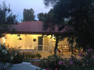 Gracious Cottage very close to the beach!!, Olbia