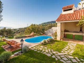 Villa Ela with pool, Makarska