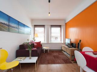 Ahome   Away from home, Anversa