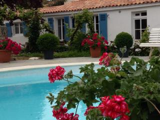 Le Clos du Marais, luxury in a natural paradise, Curzon