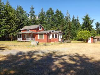 #32 The Little Red House - San Juan Islands vacation rentals
