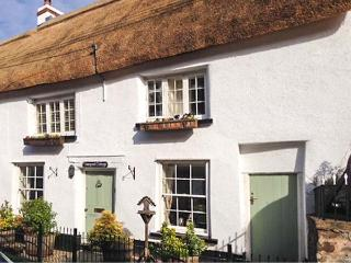 VINEYARD COTTAGE, Grade II listed thatched holiday home, pet-friendly, woodburner, walks from the door, in Winkleigh, Ref 25133