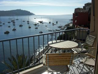 Great 2 bedroom holiday apartment with balcony, Villefranche-sur-Mer