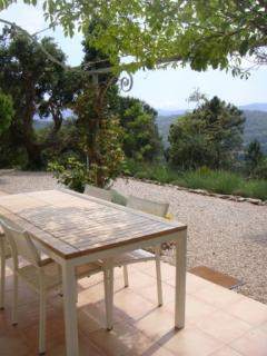 View from the terrace from studio 'Plein Soleil' in guesthouse Aux Merveilleux - Grimaud