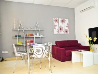 Cosy & Stylish 2 Bedroom home in heart of Valletta