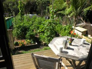 Piha Beach Garden Studio, Auckland Central