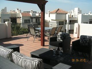 2 bedroom penthouse apartment on golf course, Los Alcazares