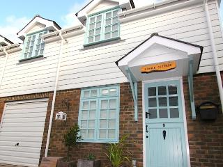 STABLE COTTAGE close to Eastbourne TOWN CENTRE