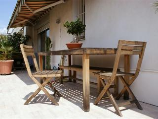 Baquis: Stylish 1 bedroom apartment with terrace, Nice