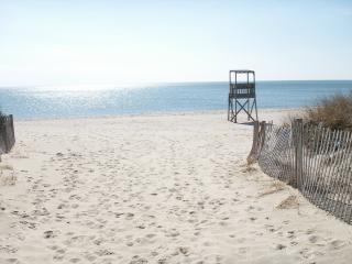 Walk to beautiful Nantucket Sound beaches - the Warmest Waters on the Cape Cod!