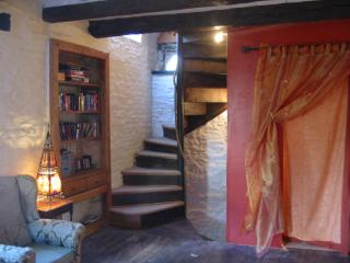 400yr old Romantic Retreat, Dinan