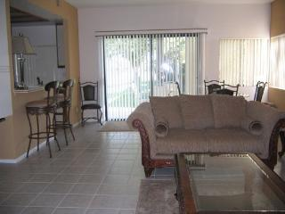 Two Bedroom Condo on West Natoma - 2CHAT, Palm Springs