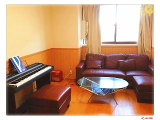 '3Q House----Group booking, Tokyo' from the web at 'http://media-cdn.tripadvisor.com/media/vr-splice-l/00/9b/56/d1.jpg'