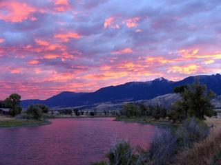 Riverhouse on the Yellowstone in Paradise Valley, Prier