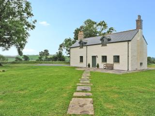 Stunning views, character cottage - 55667, Laugharne