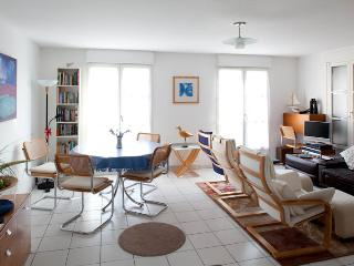 Modern Townhouse in Honfleur with secure parking