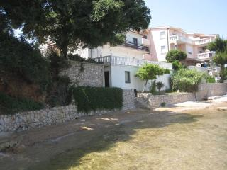 Sea front Holiday Home Ante, Tkon