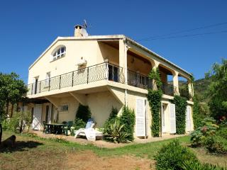 Grand appartement bord de mer, Cargese