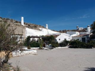 Charming large cave house, Baza
