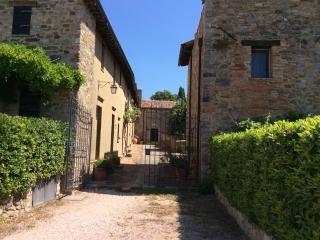 Castle - Two bedroom townhouse in Umbria, Perugia