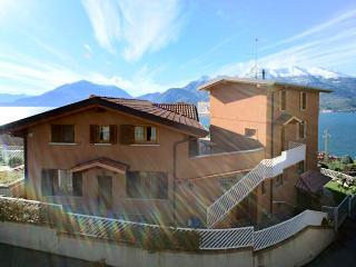 HOME WITH FANTASTIC  VIEW WI-FI FREE, Bellano