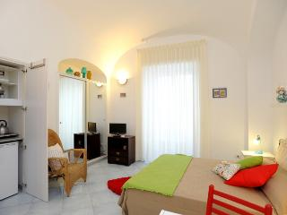 Self- catering apartment Moonlight Amalfi center