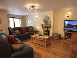 ASH GILL COTTAGE, Torver, pet-free, Coniston