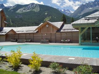 Apartment with pool in Serre Chevalier 1500, Le Monetier-les-Bains