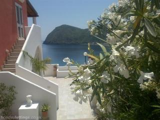 Amazing apartments ('C'), Lipari