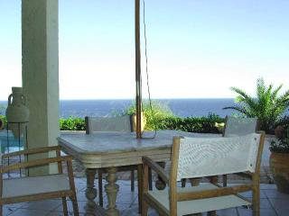 Azur villa with a sea view, Antheor