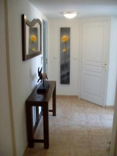 Entrance hall to apartment