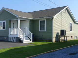Remodeled 3 bed, 2 bath home - Less than 3 blocks to the beach!, South Bethany