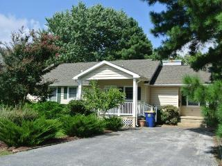 Well maintained 3 bedroom home on wooded lot, Bethany Beach