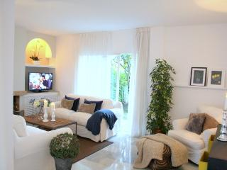 Beautiful 3 bedroom house in Puerto Banus-LP