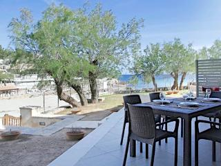 Luxury Apartment on the beach!, Cala Sant Vicenc