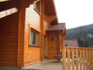 Close to La Bresse, 95 m² chalet with garden and patio - Lorraine vacation rentals