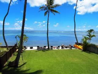 Moana Lani offers direct access to the ocean & sunset views in lush garden setting with pool, Hawaii Kai