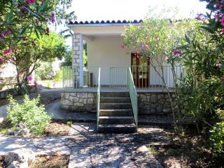 Nice Ap.(House) with Garden and Terrace :), Stari Grad